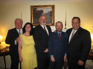 Left to right: Mississippi Governor Haley Barbour, AIA-NJ President Stacey Ruhle Kliesch, AIA-NJ Regional Director David Del Vecchio, APAC Representative Scott Lurie, NJ Gubernatorial Candidate Chris Christie